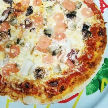 Pizza Frutti di Mare Groß