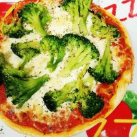 Pizza Broccoli Klein